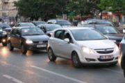 A lejohet që femrat të drejtojnë automjetin